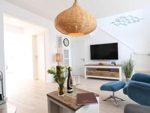 Apartment Bayside