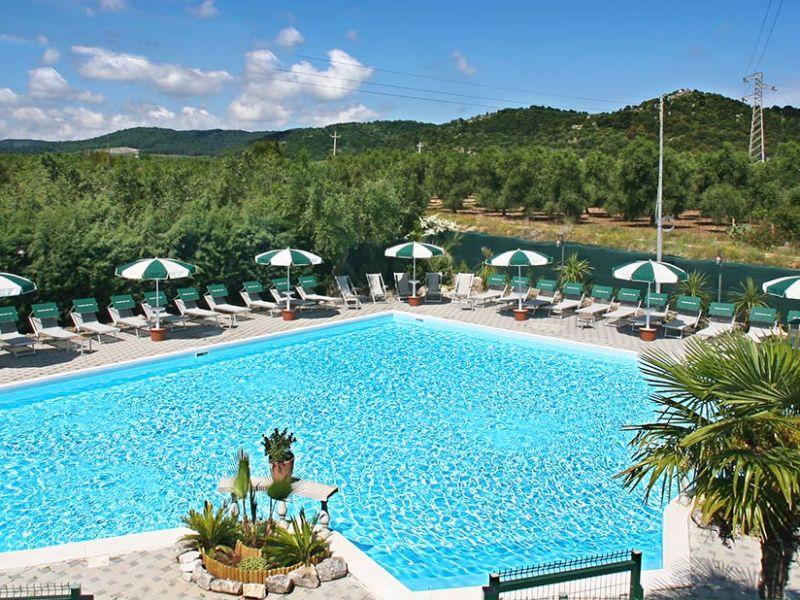 Ferienwohnung Club degli Ulivi (mit Pool/Restaurant)