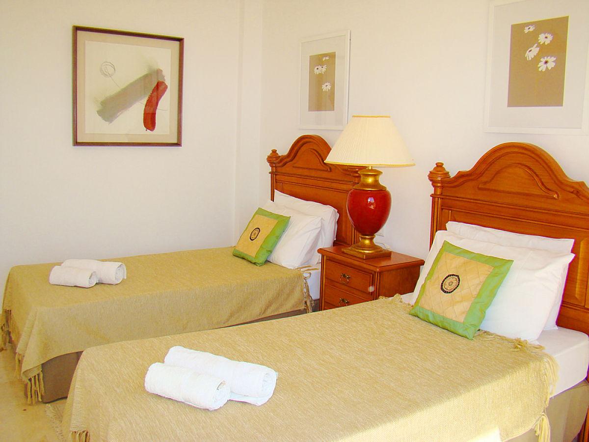 Ferienwohnung strandpenthouse bermuda beach 4 estepona for Dekoration schlafzimmer