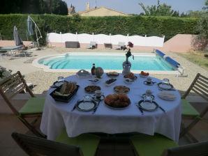 0345 Villa Catalina, 7P. Salon-de-Provence