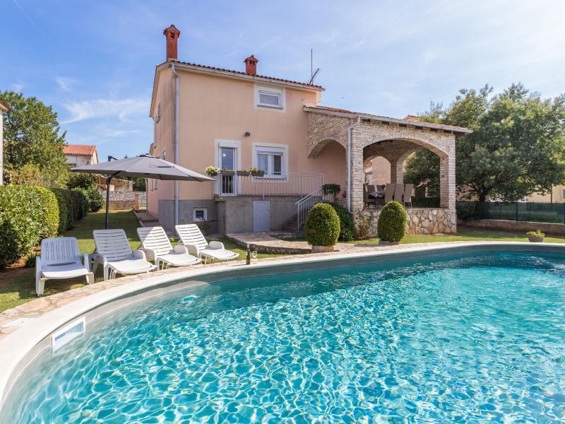 Villa Grande with private pool in Pula