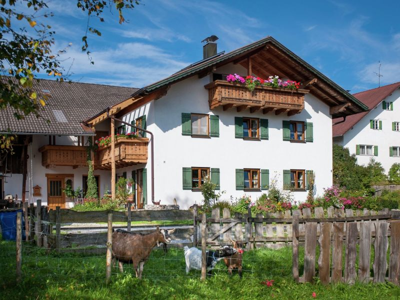 Ferienwohnung Burggen, Haus-Nr: DE-86977-02