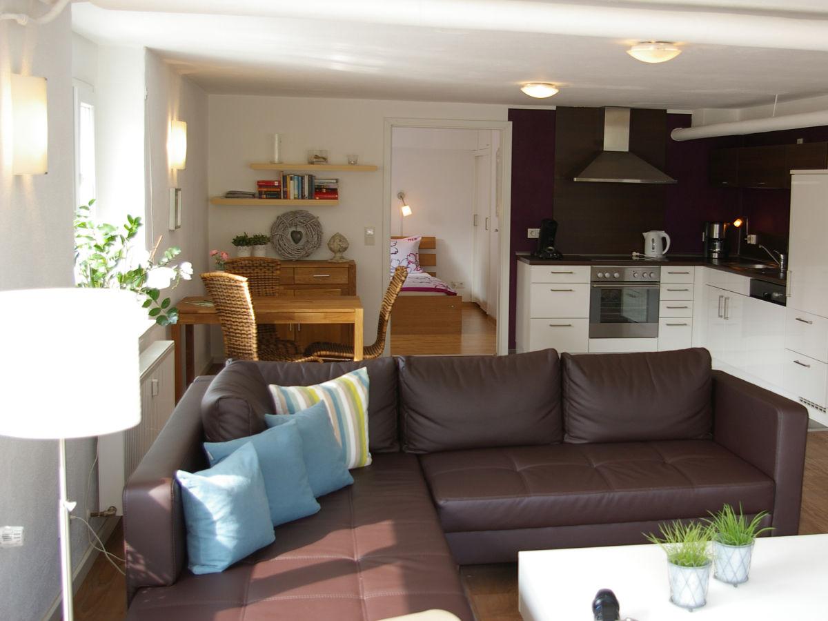 ferienwohnung ambiente in zell an der mosel mittelmosel frau wilma eudenbach. Black Bedroom Furniture Sets. Home Design Ideas