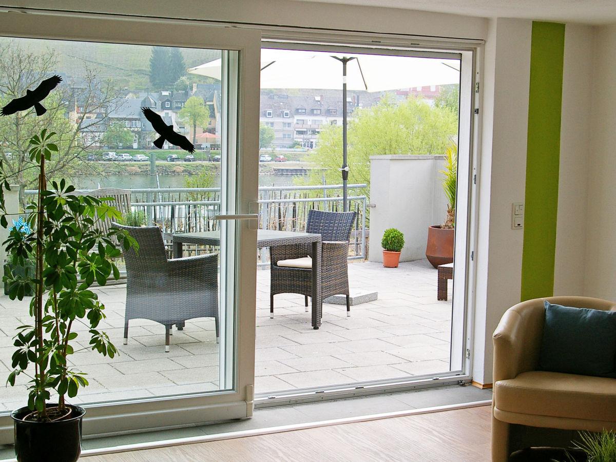 ferienwohnung ambiente in zell an der mosel mittelmosel. Black Bedroom Furniture Sets. Home Design Ideas