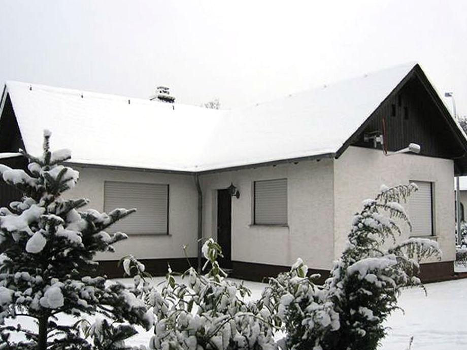 Hübsches Ferienhaus in Gillenfeld am Pulvermaar