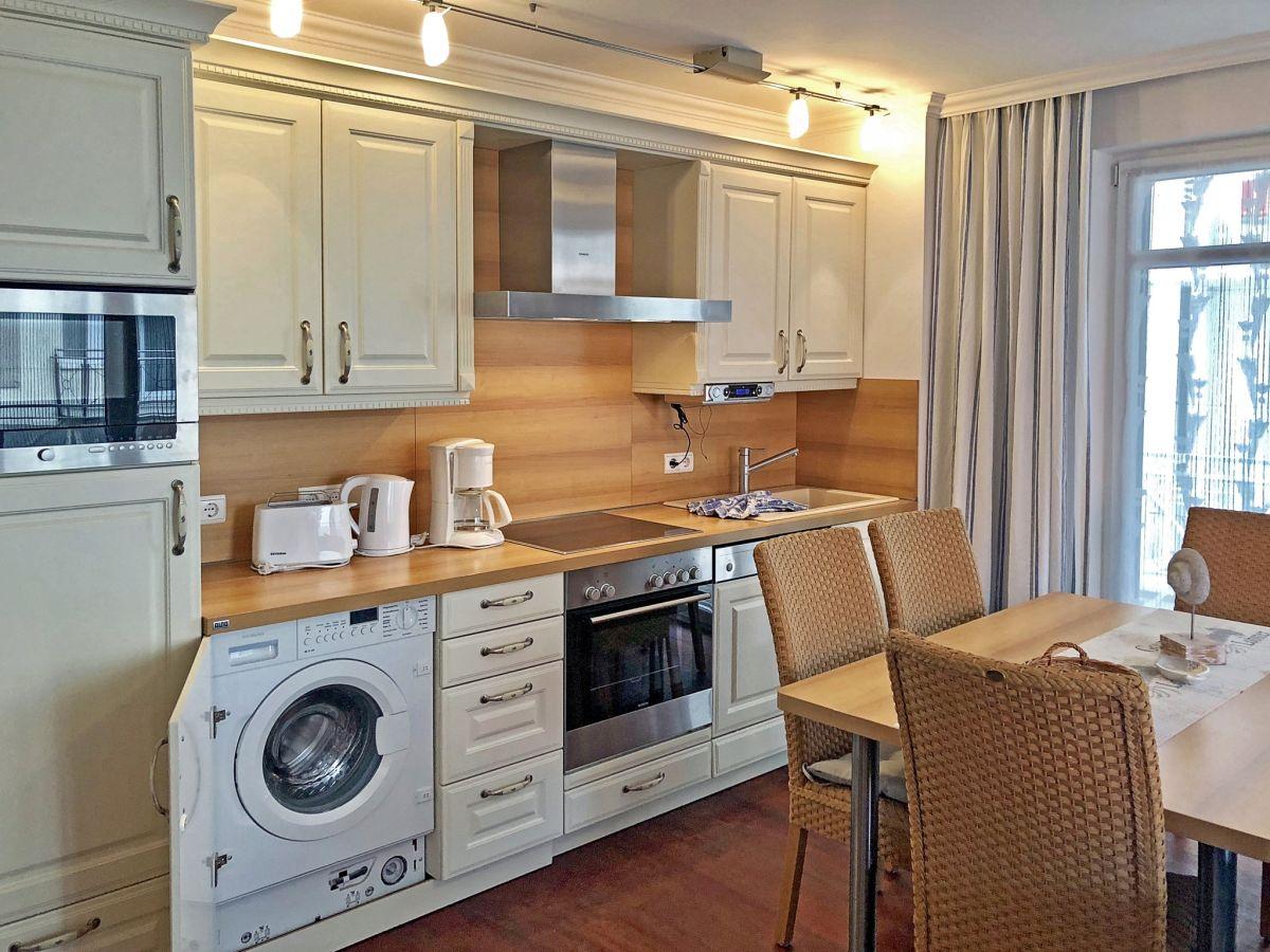 ferienwohnung 3 strandzauber in der villa helene binz firma appartementvermittlung klitzsch. Black Bedroom Furniture Sets. Home Design Ideas
