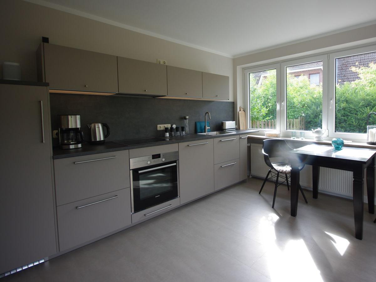 ferienhaus bungalow mit garten in bester lage b sum frau ann christin bruhn. Black Bedroom Furniture Sets. Home Design Ideas