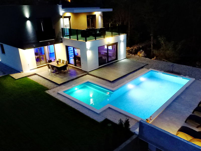 Ferienhaus Luxury with pool - Grubine