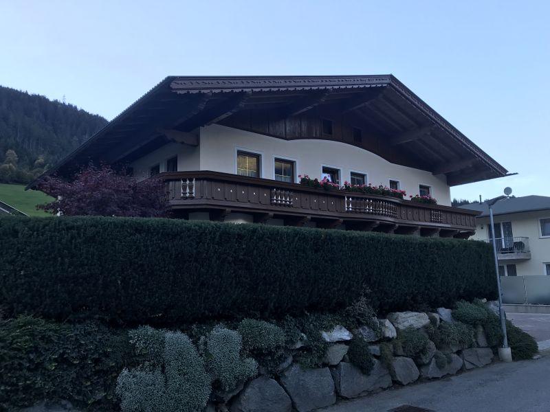 Apartment Seerose, Wohneinheit Granat