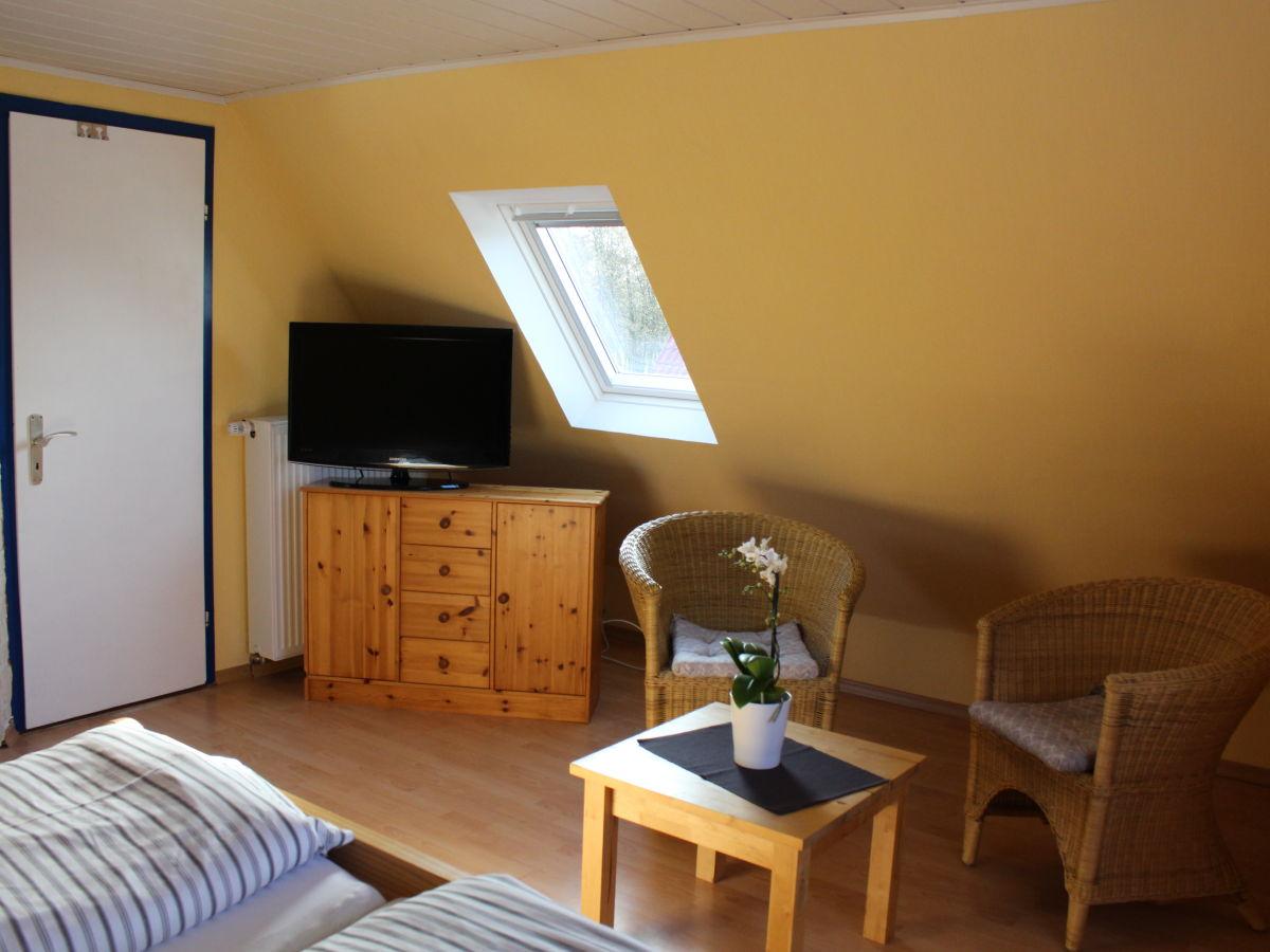 apartment leuchtturm im haus arielle am meer norddeich. Black Bedroom Furniture Sets. Home Design Ideas