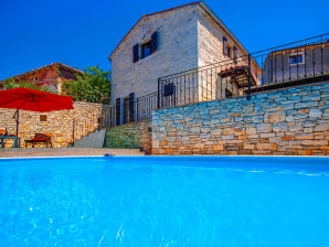 Villa Macan