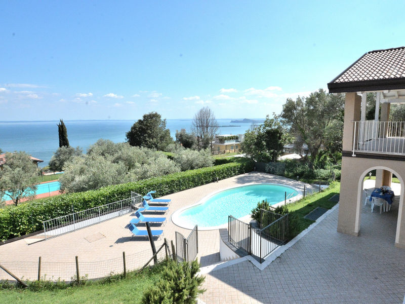 Holiday apartment Fabiola With Pool Lake View
