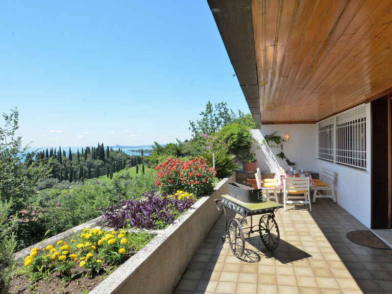 Holiday apartment La Fiore 2 With Pool