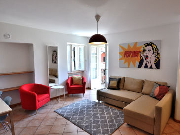 Pop Art Apartment In Downtown