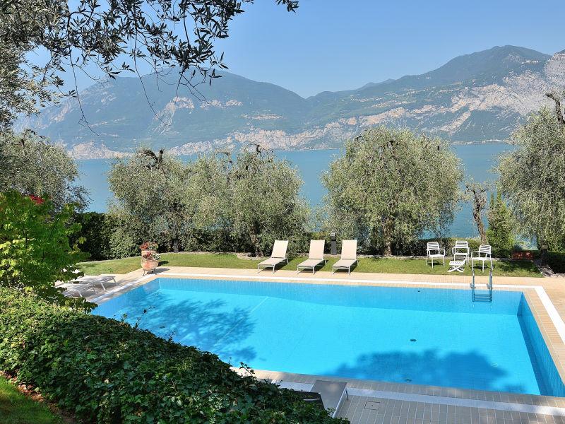 Villa Dismero with Pool