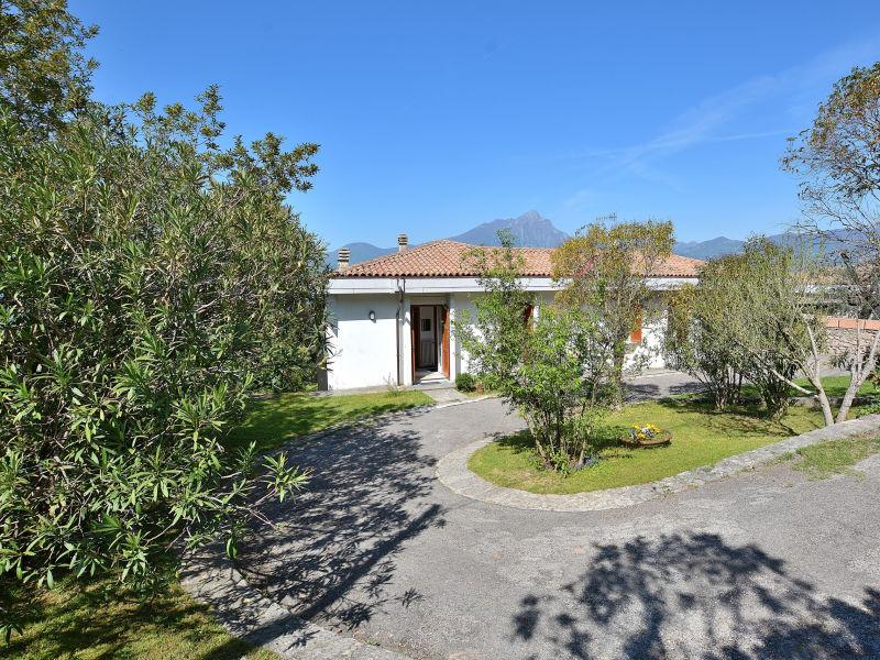Villa Retrò alle Rossone with Lake View