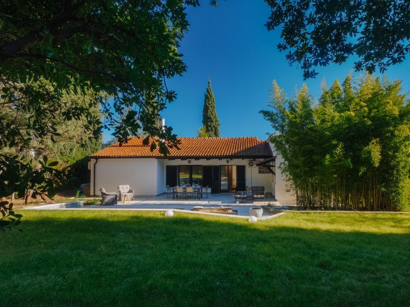Villa Aavaas