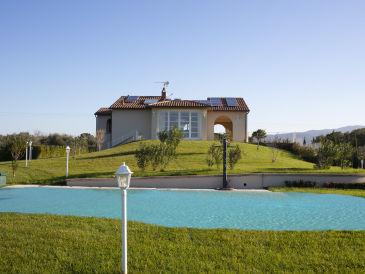 Villa Sunbeach + privater Pool, strandnah