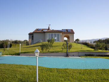 Villa with private Pool, near the beach