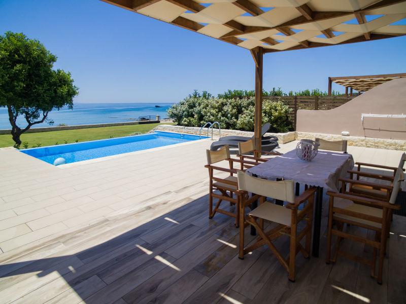 Villa Mary Beach