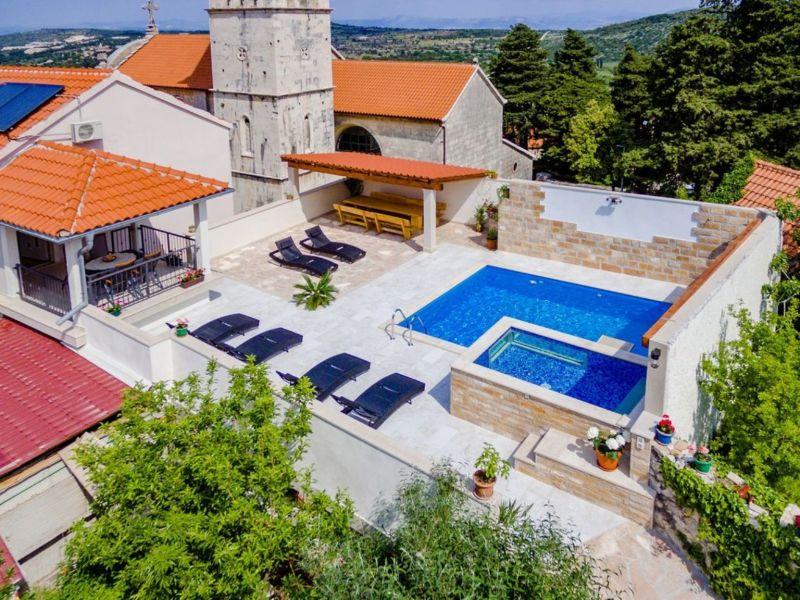 Villa Aria, Pool & Sauna, MB
