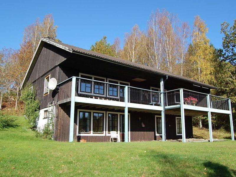 Ferienhaus am See (150 m), 8 P.  Boot, Angeln, Garten