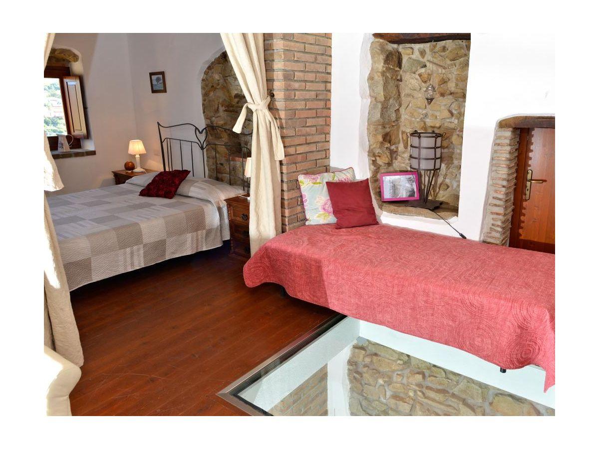 ferienhaus borgo al costa v rod milici firma ferienhaus sizilien herr oskar golde. Black Bedroom Furniture Sets. Home Design Ideas