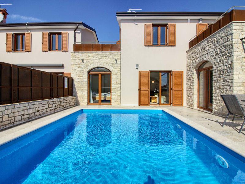 Villa Stella mit Pool in Novigrad