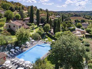 Ferienwohnung Palazzo (mit 4 Bädern und Pool)