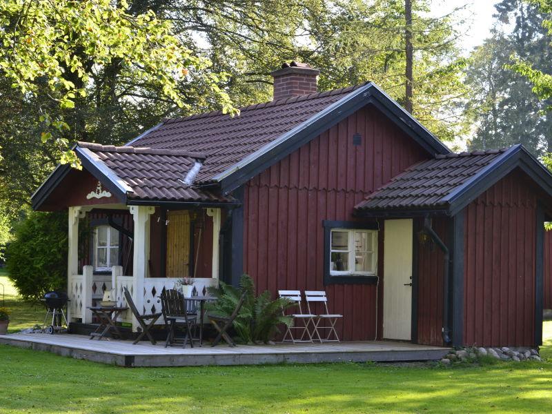 Süßes kleines Ferienhaus am See Nömmen (50 m)