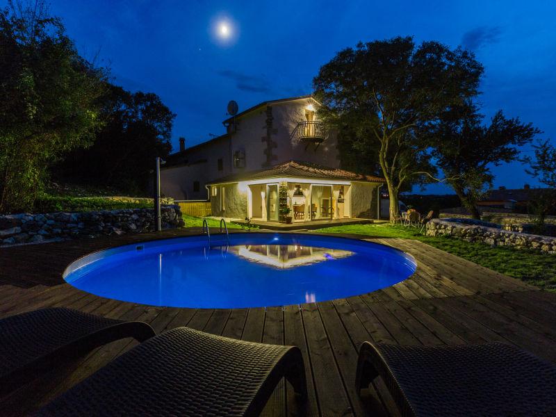 Villa Nevia in der Nähe von Rabac mit privatem Pool
