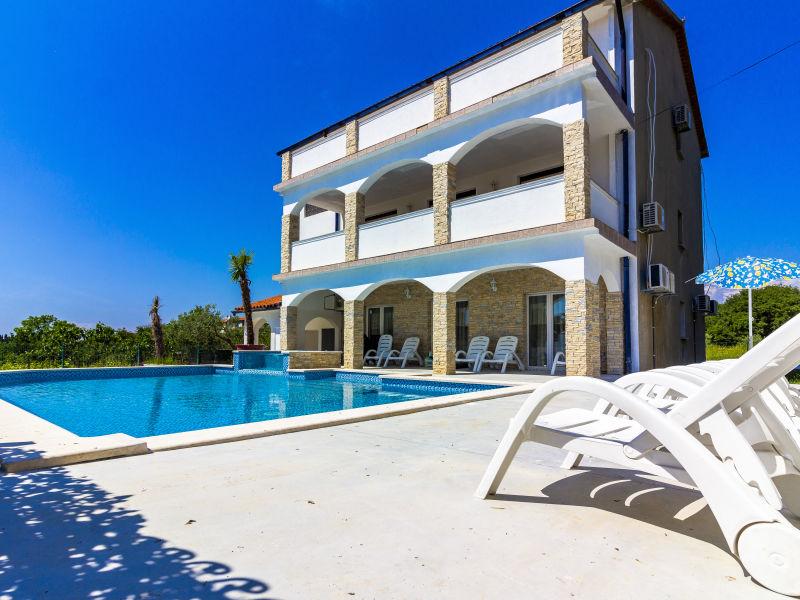 Villa Mayestic