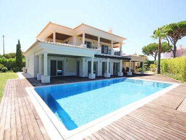 Vila Sol modernised villa near Golf