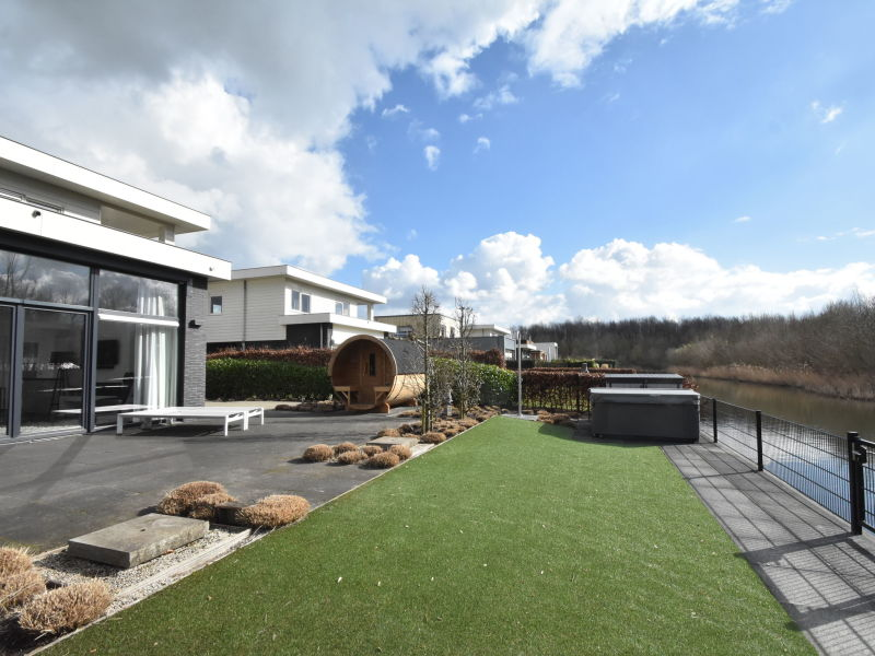 Villa Black & White Harderwijk 209