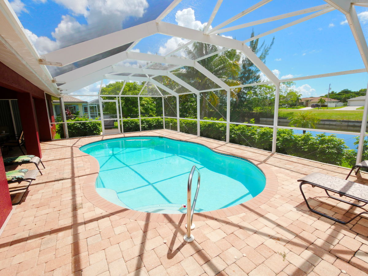 Villa artis cape coral firma sanford realty inc herr stephan sanford - Pool salzwasser ...
