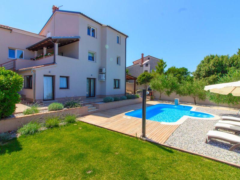 Villa Remi mit Hydromassage Pool