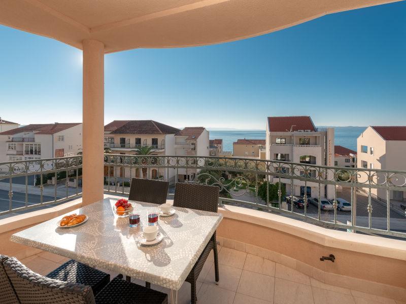 Ferienwohnung Villa Tucepi Apartment 1 *(A4+2)