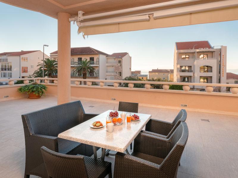 Ferienwohnung Villa Tucepi Apartment 3 *(A4+2)