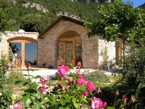 Holiday house Bergerie la Falaise