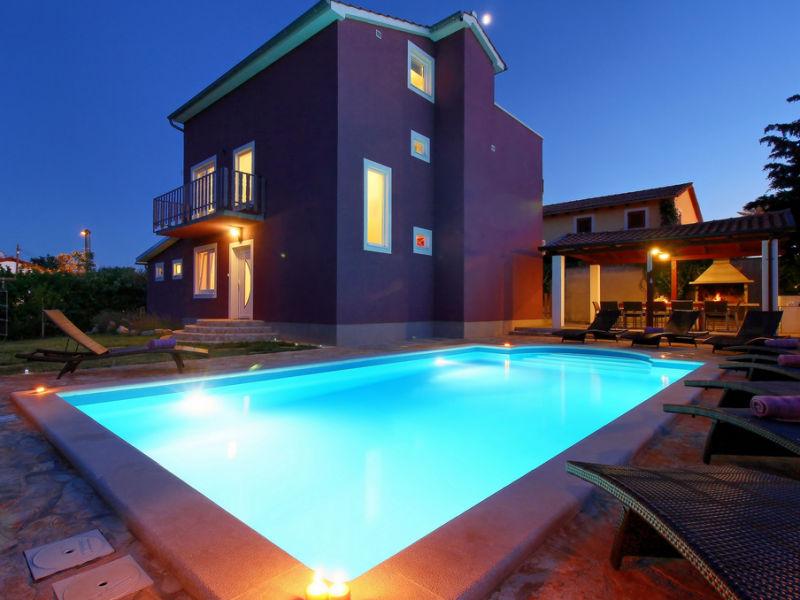 Elegant Villa Nina