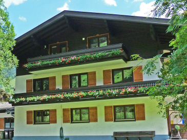 "Holiday apartment ""Rot"" in Haus Enzian, Rauris"