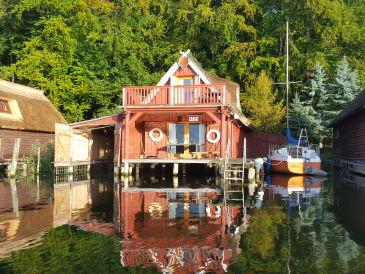 Ferienhaus Wohnbootshaus in Biestorf