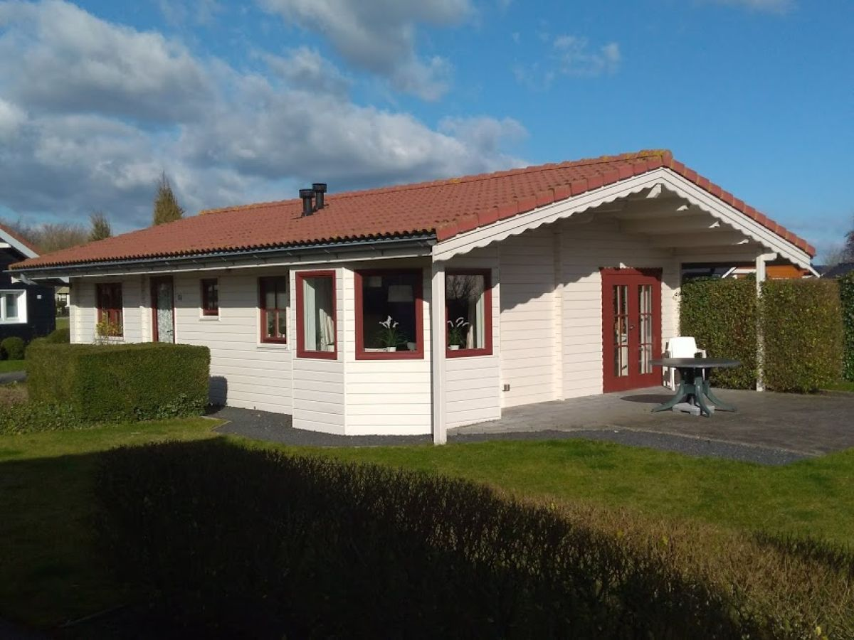 Holiday house Bungalow Sint Annaland, Tholen - Mrs. Melanie Bernia