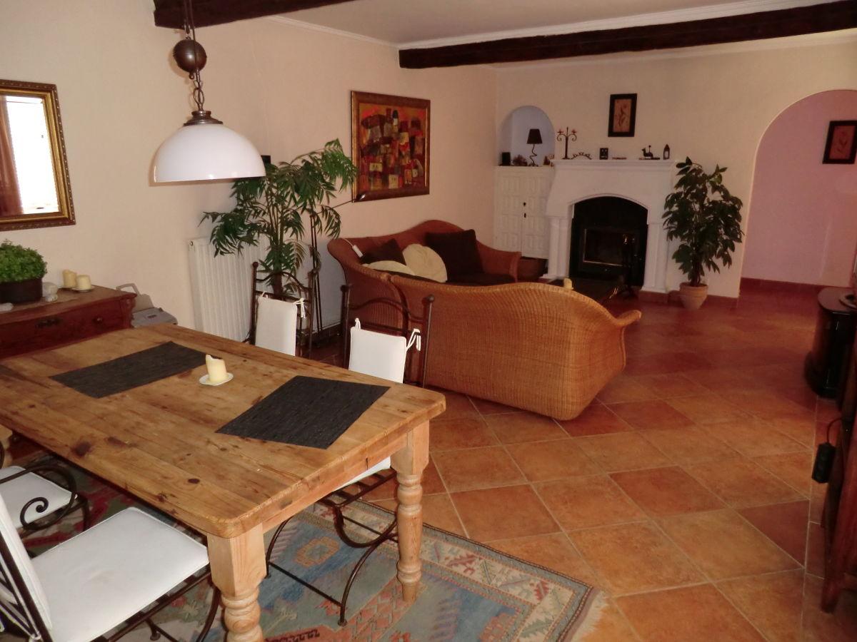 Ferienbungalow las mimosas valencia costa blanca altea for Wohnzimmer mit esstisch