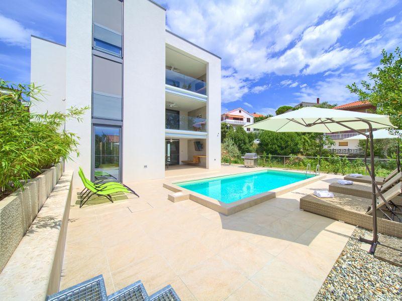 Ferienwohnung 3 - Villa Celeia mit Pool