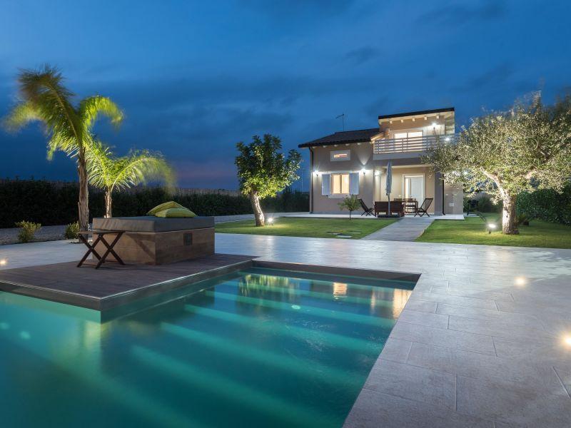 Hübsche Villa - neu renoviert