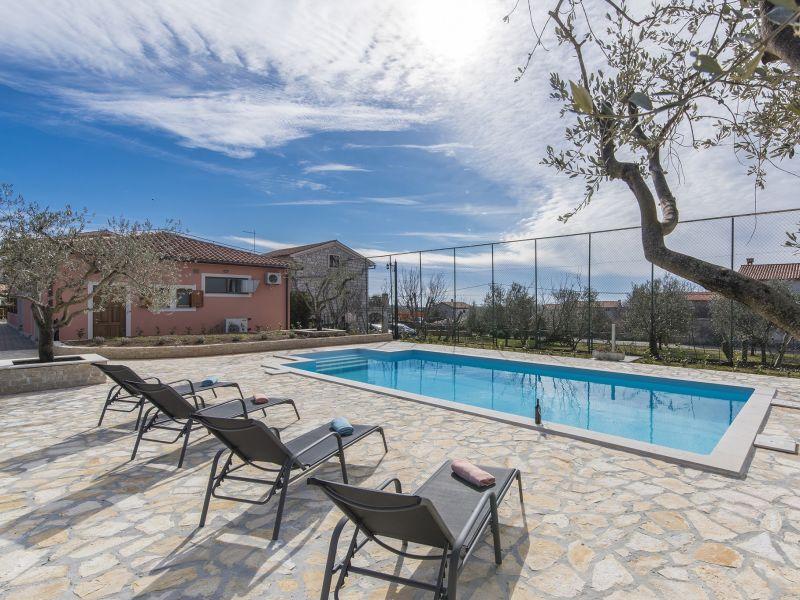 Villa Perkovic mit pool