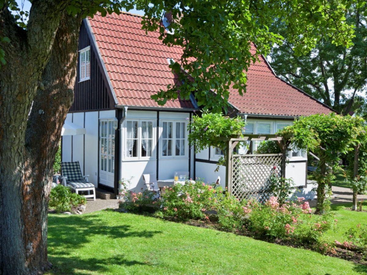 Ferienhaus \'Kleines Landhaus im Grünen\', Ostsee, Lübecker Bucht ...