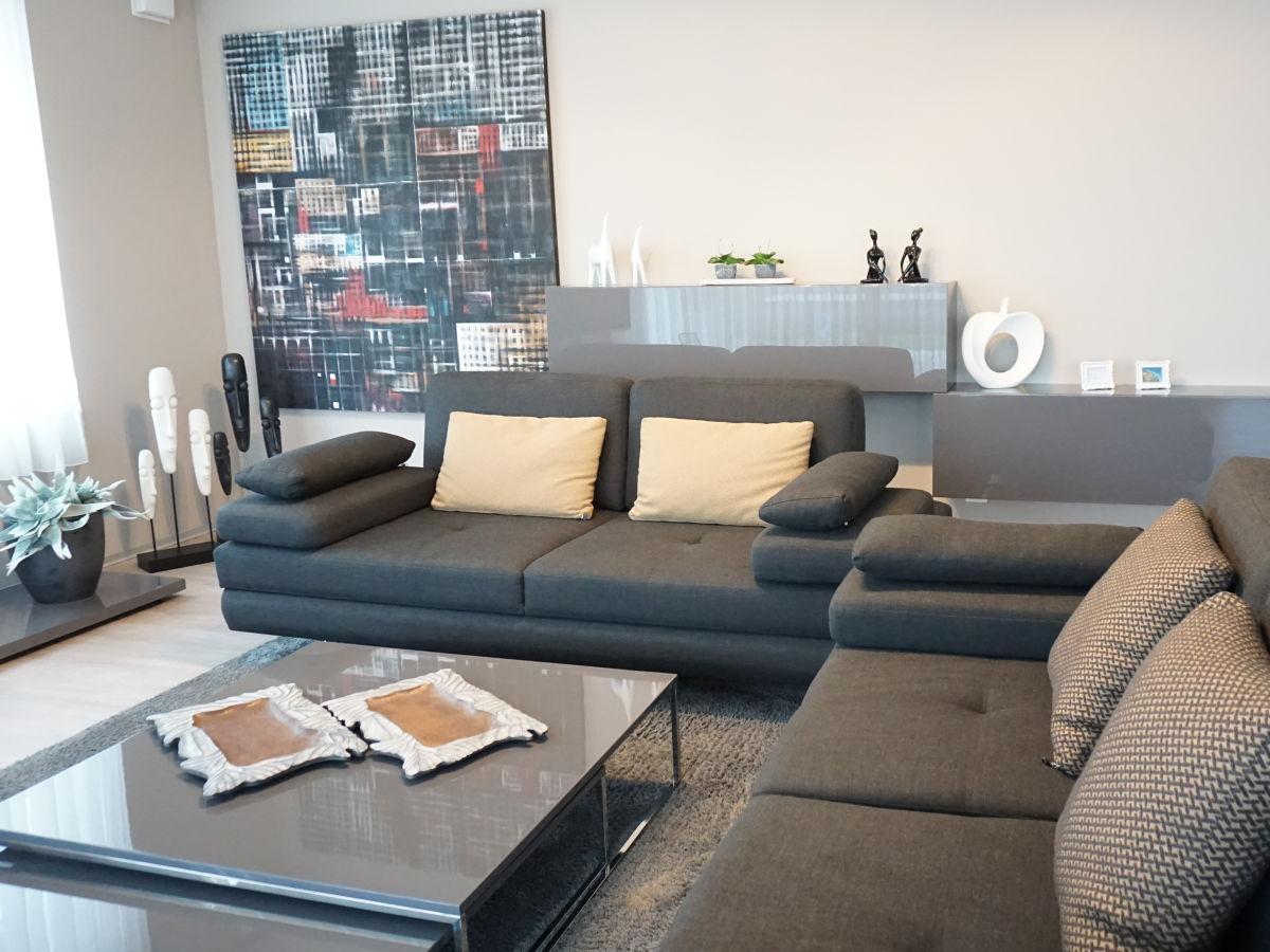 Ferienwohnung xl komfort 8b daisendorf firma for Wohnlandschaft 8 personen