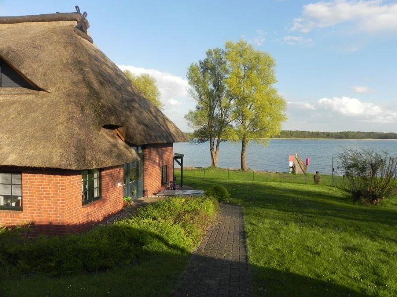 Ferienhaus stilvolles Reethaus direkt am See